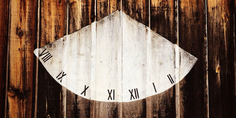 umills sundial clock